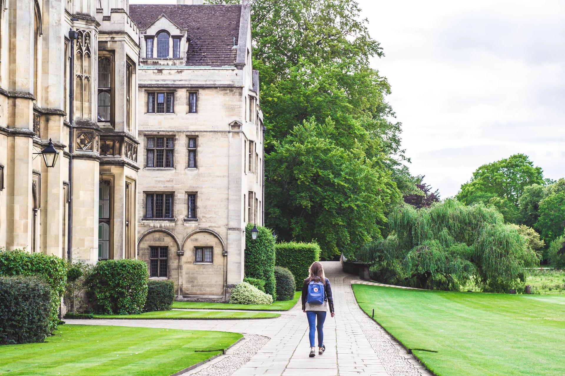 英国の名門大学クライスツ・カレッジ(ケンブリッジ大学)